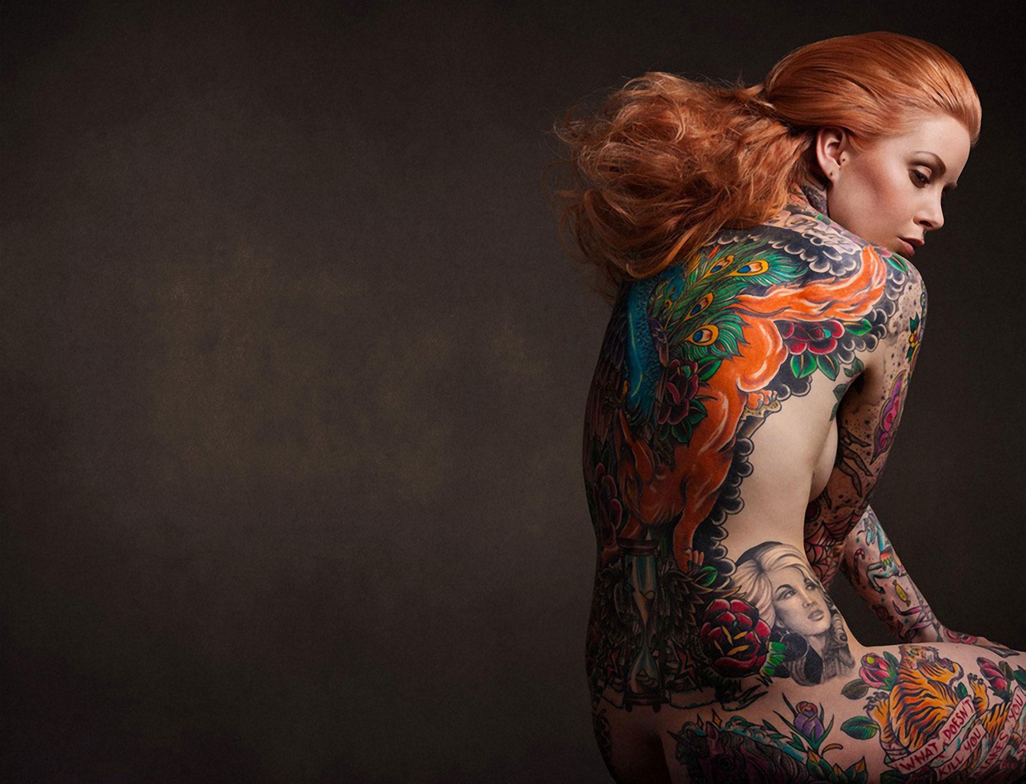 Девушки с татуировками (15 фото)